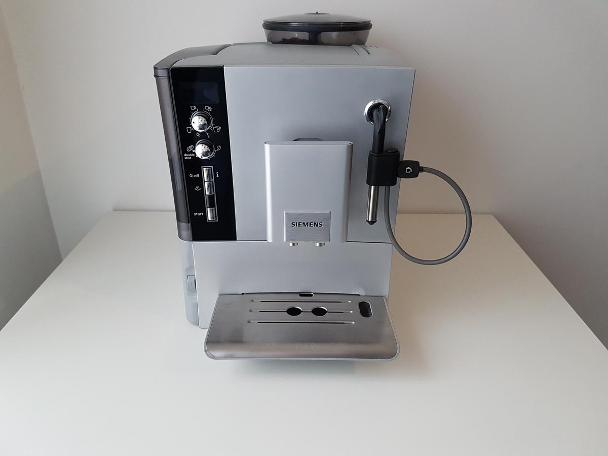 Siemens-EQ5-TE503201-1.jpg